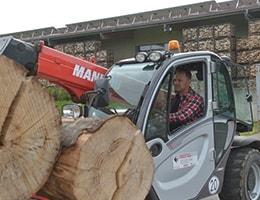 Brennholz transportieren